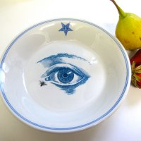 Right On, Cool Vintage Plate Reuse (Whaatt?! Whatever...)