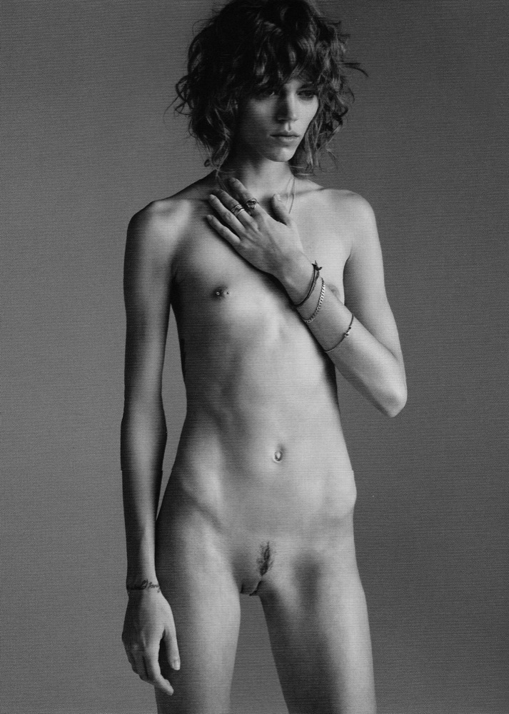 Androgenous naked girls pics