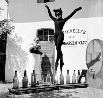 Women of the Eye cat ladies balances for milk