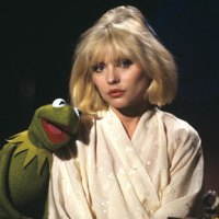 "Music Minute: ""Rainbow Connection"" - Debbie Harry and Kermit"