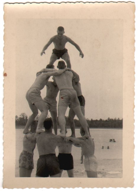 pyramid-of-summer-1950s