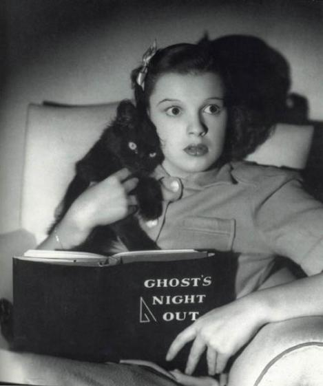 Judy Garland Reading Ghost's Night Out