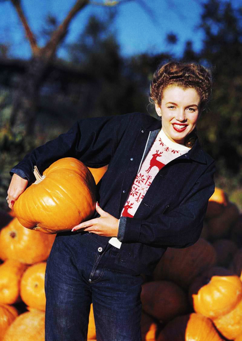 Marilyn Monroe photographed by Andre de Dienes, 1945