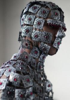 Mask style McQueen model
