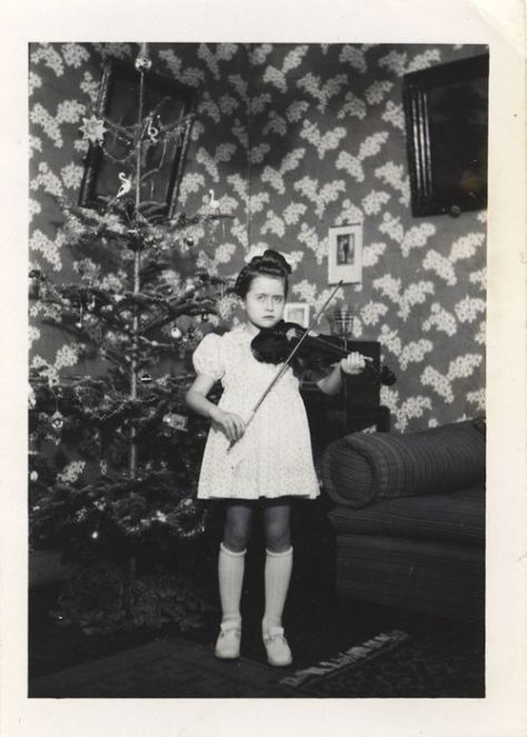EOF weird violin girl xmas time