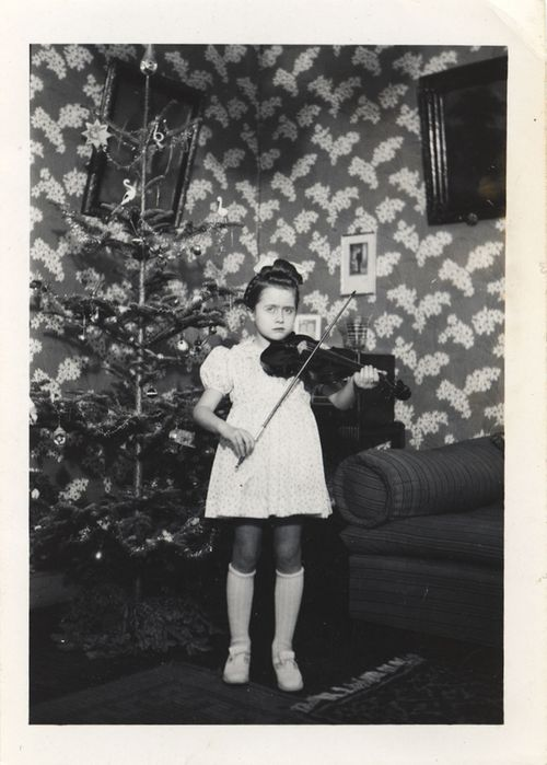 EOF weird violin girl xmas time