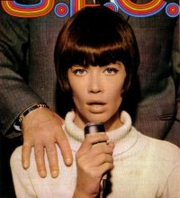 Les coiffures de Françoise Hardy - Page 2 Eof-style-idol-francoise-hardy-15