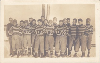Men Wear The Same Sweater to Play Hockey