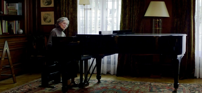 Emanuelle Riva Goes Crazy in Amour Film 2012 Michael Haneke