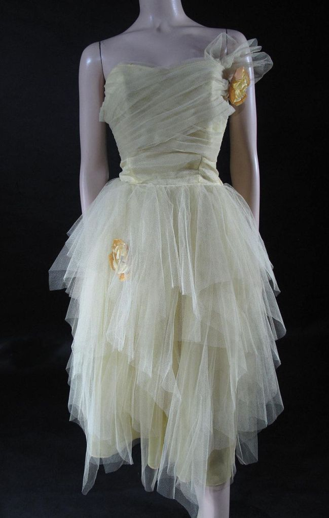 Vintage tulle dress- kimbra- vintage style inspiration- grammy 2013