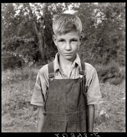 dorothea lange 1939 - boy with overalls - workwear inspiration