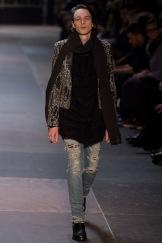 elegantly wasted-saint-laurent-paris-fashion-week-fall-2013-39