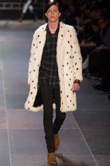 elegantly wasted-saint-laurent-paris-fashion-week-fall-2013-41