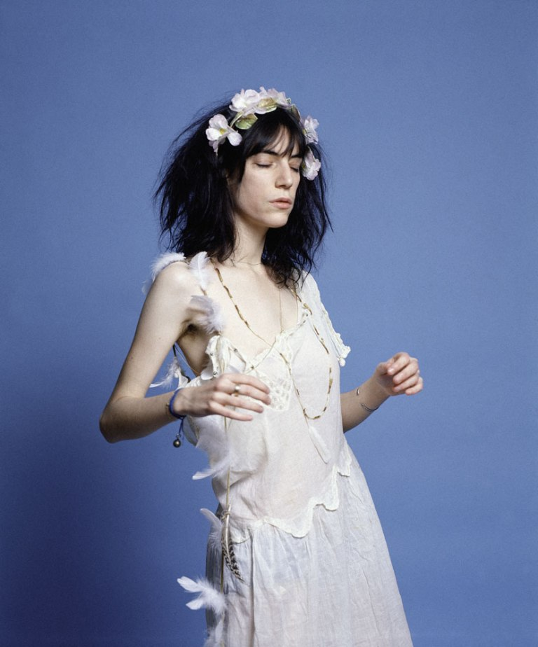 patti smith with a crown of flowers