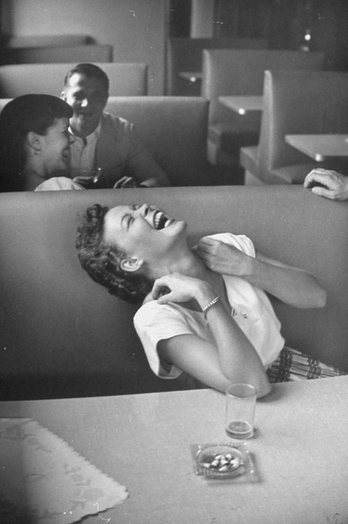 syracuse university - 1949 - lisa larsen