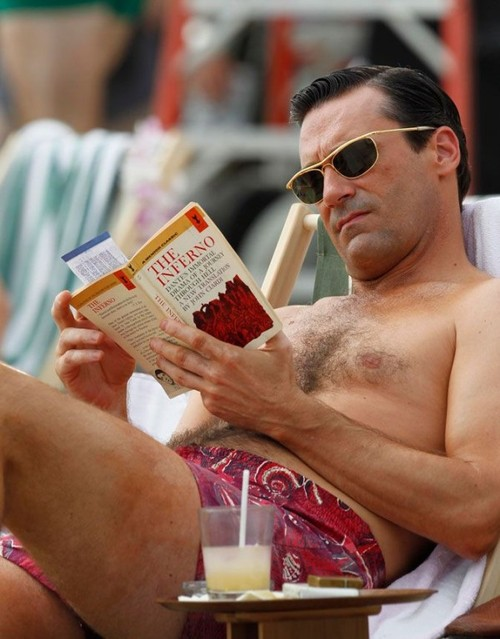 Man Men - season 6 episoe 1 - don draper reading dantes inferno on the beach