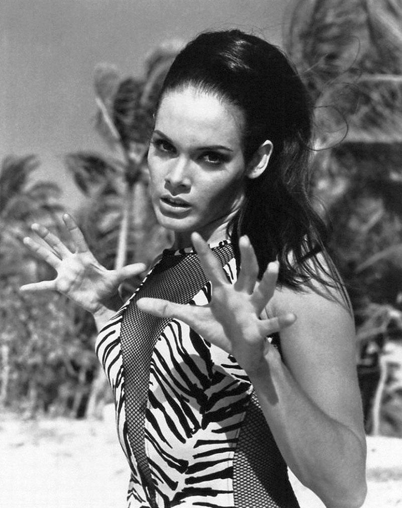 martine-beswick-Bond vintage- swimsuit style summer inspiration
