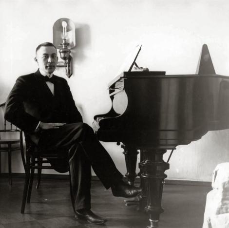 Sergei_Rachmaninoff,_1910s