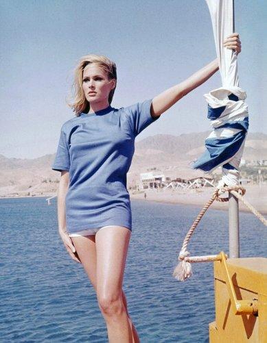 ursula andress- dr no- 1962 - summer style inspiration- vintage