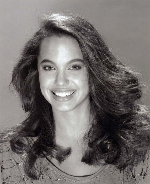 GIRL, UNINTERRUPTED : A Look Back on Angelina Jolie