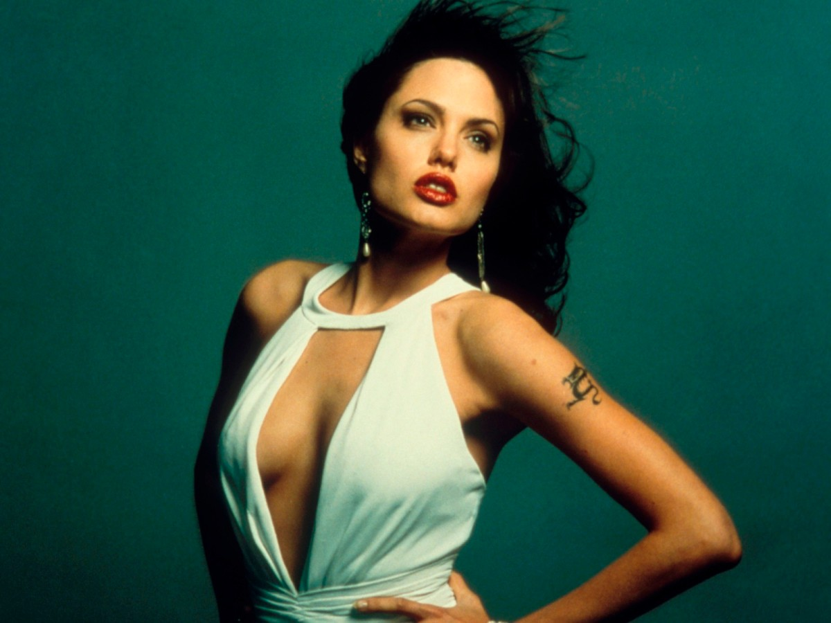 related pictures angelina jolie - photo #4