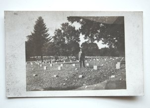 the-eye-of-faith-vintage-postcard-of-man-in-cemetery-1906-1920