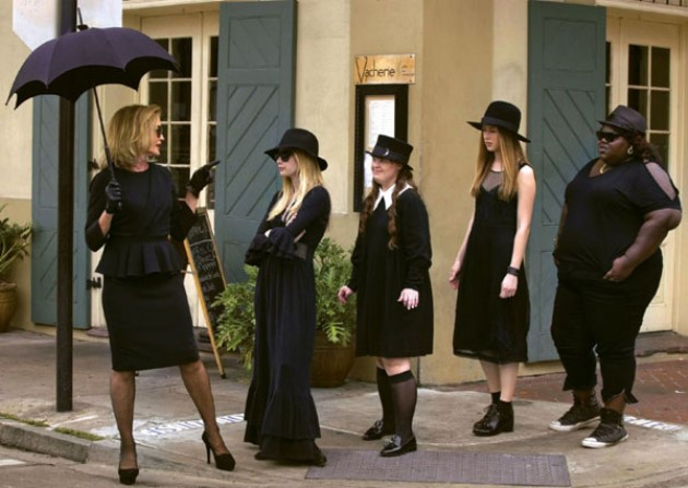 american-horror-story-coven-ew-3