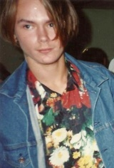 river phoenix- floral shirts and denim- vintage style idol- the eye of faith