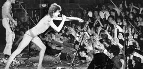 Ziggy-Stardust-david-bowie-28540190-512-248