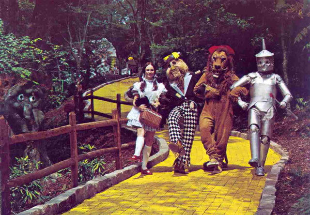 wizard of oz- 1970s- vintage snapshot
