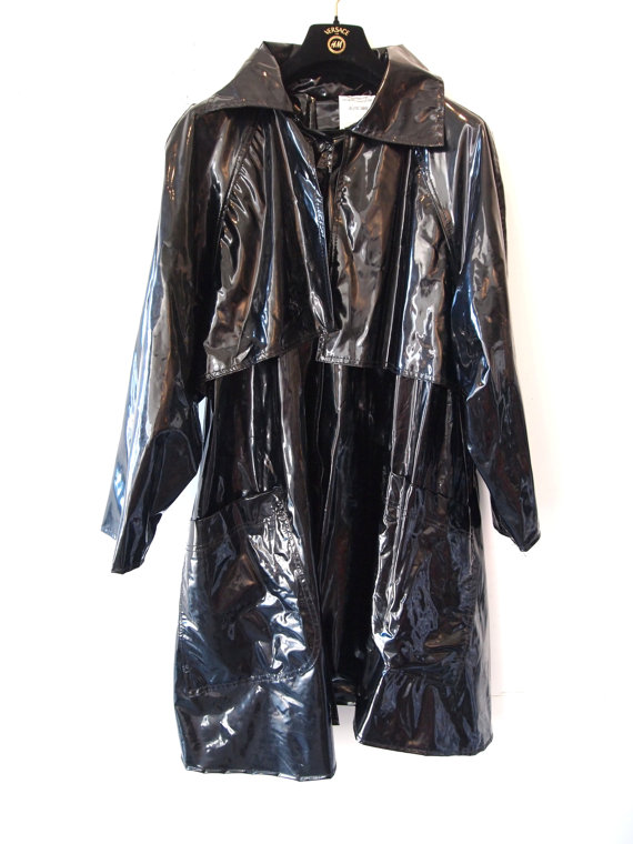 eye of faith vintage- black pvc trench coat