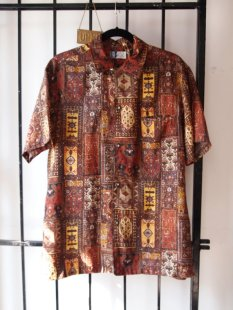 1960s Vintage Mens Persian Rug Tapestry All Over Graphic Print Hawaiian Surf Shirt