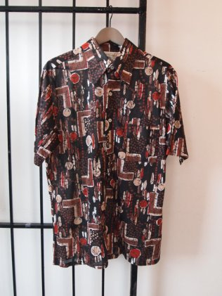1970s Vintage Mens SEARS DIsco Tribal Graphic All Over Print Surf Shirt