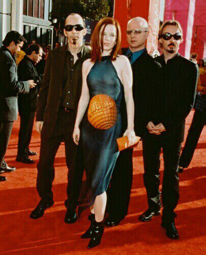 STYLE WISE- The World is Not Enough- The Eye of Faith Vintage- Garbage - Shirley Manson