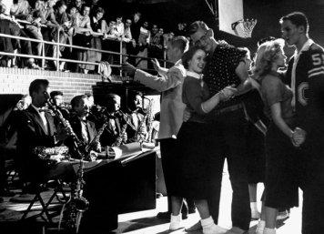 I wanna Dance with Somebody- The Eye of Faith Vintage- Style Inspiration Blog