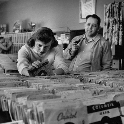 Music is my Boyfriend- Smells Like Teen Spirit- The Eye of Faith Vintage- Style Inspiration Blog