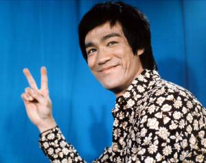 Bruce Lee in 1970s Black and White Floral Graphic Shirt- Vintage Mens Inspiration- Th Eye of Faith Blog