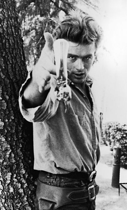 James Dean - GUN SLINGER - THE EYE OF FAITH SNAPSHOT OF THE DAY {DECEMBER 3, 2015}