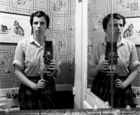 vivian maier self portrait-eof selfie centered- vintage style blog
