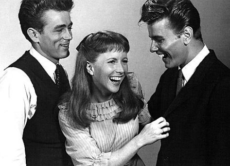 STYLE IDOL- RICHARD DAVALOS- R.I.P.- THE EYE OF FAITH {VINTAGE} - James Dean Julie Harris Share a Laugh
