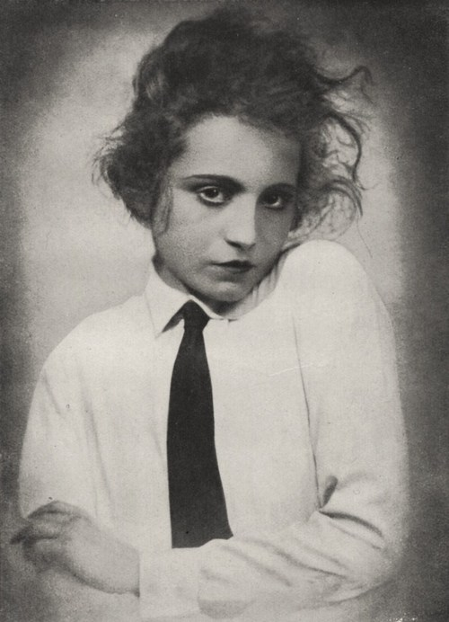 elizabeth-bergner-1922-man-i-feel-like-a-woman-vintage-style-inspiration-the-eye-of-faith-bad-ass-androgyny-birth-of-modernity