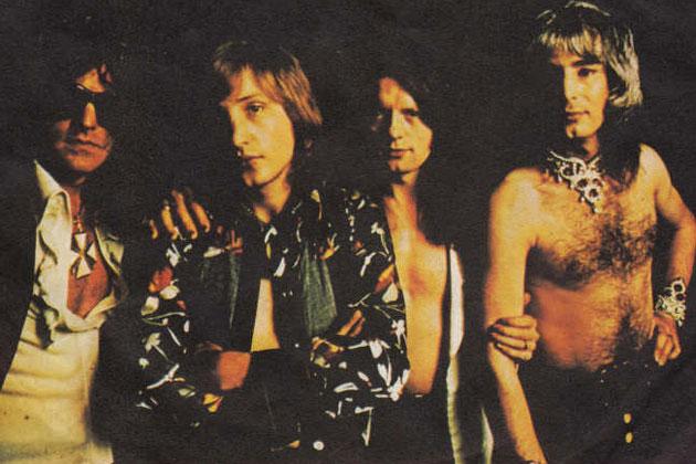 mott-the-hoople-70s-uk-rock-n-roll-glam-gods-mens-fashion-style-vintage-inspiration-the-eye-of-faith