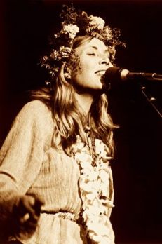 joni mitchell- the eye of faith vintage clothing and lifestyle blog shop- mini style idol