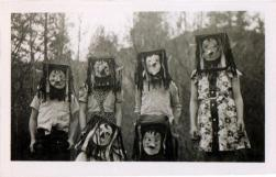 25 WEIRD CREEPY HALLOWEEN COSTUMES PHOTOS- THE EYE OF FAITH VINTAGE BLOG 10