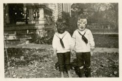 25 WEIRD CREEPY HALLOWEEN COSTUMES PHOTOS- THE EYE OF FAITH VINTAGE BLOG 4