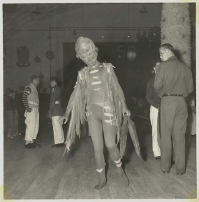 25 WEIRD CREEPY HALLOWEEN COSTUMES PHOTOS- THE EYE OF FAITH VINTAGE BLOG 5