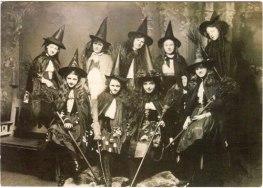 25 WEIRD CREEPY HALLOWEEN COSTUMES PHOTOS- THE EYE OF FAITH VINTAGE BLOG 9