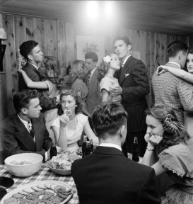 PARTY PEOPLE- THE EYE OF FAITH VINTAGE STYLE BLOG-photo by nina leen- 1950s teen get together