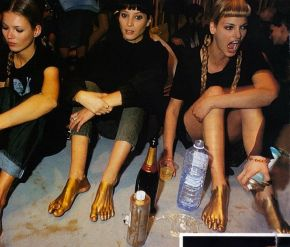 PARTY PEOPLE- THE EYE OF FAITH VINTAGE STYLE BLOG- Supermodels on the Floor with Champagne