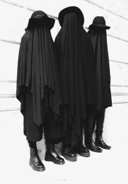 lavartus prodeo - the eye of faith vintage blog shop- style inspiration-masked style photo blast- dressed in black